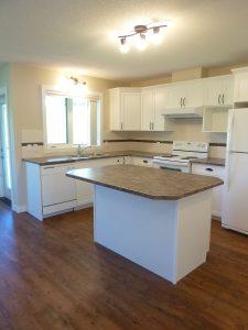 Black-Diamond-Apartment-For-Rent-Kitchen